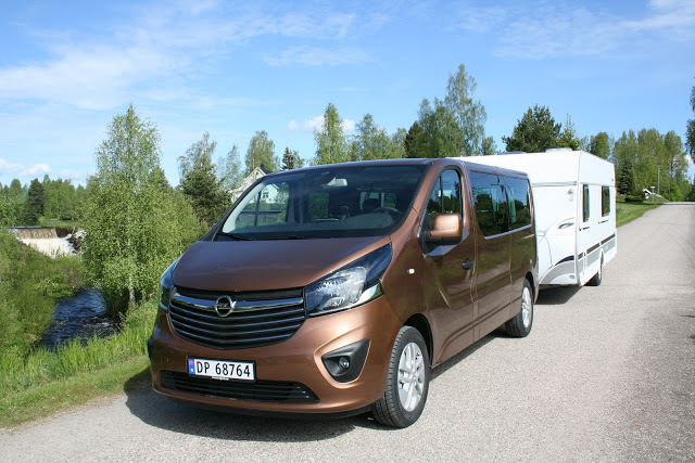 test opel vivaro personbil bil og motorbloggen. Black Bedroom Furniture Sets. Home Design Ideas