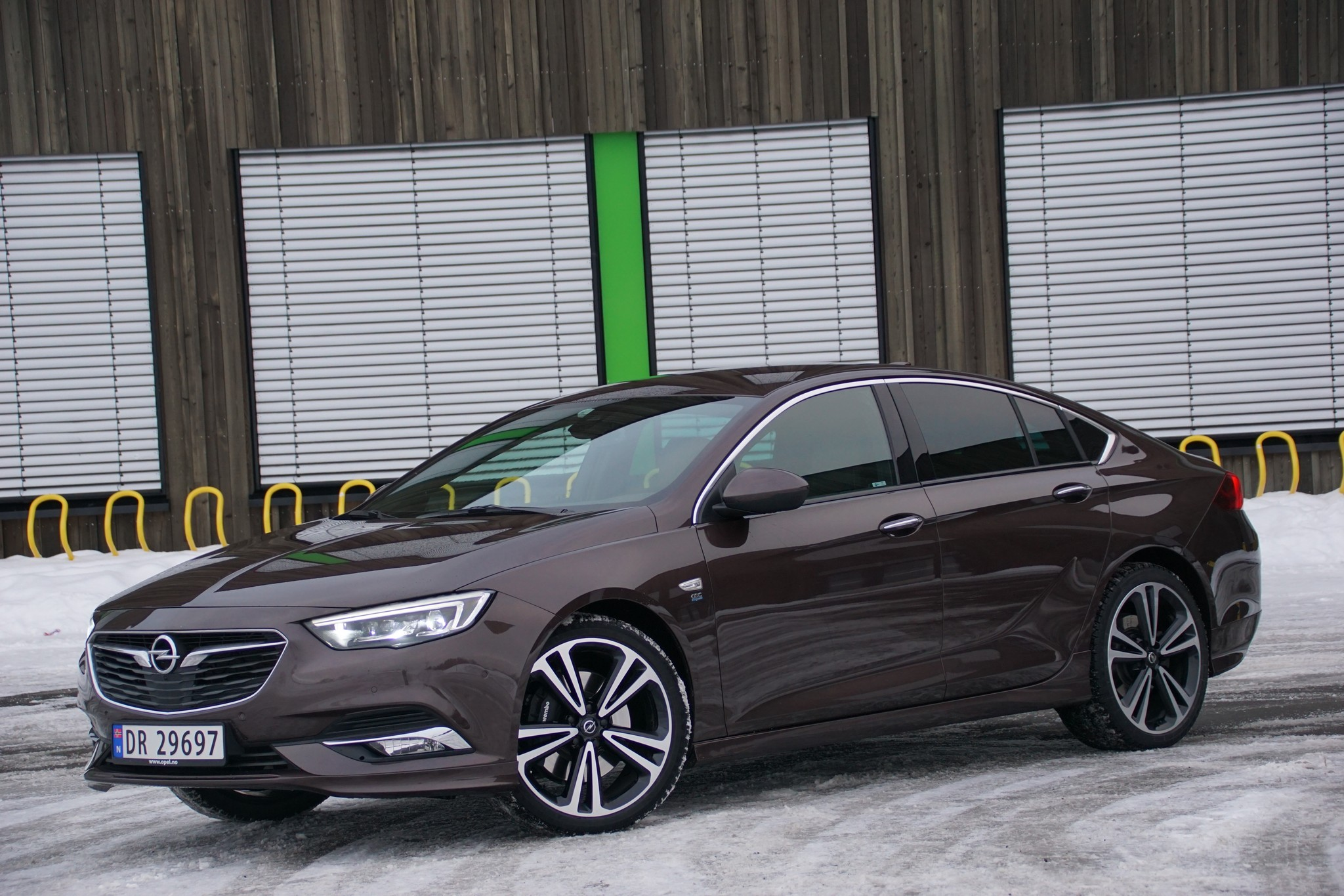 test opel insignia 2 0 turbo awd bil og motorbloggen. Black Bedroom Furniture Sets. Home Design Ideas